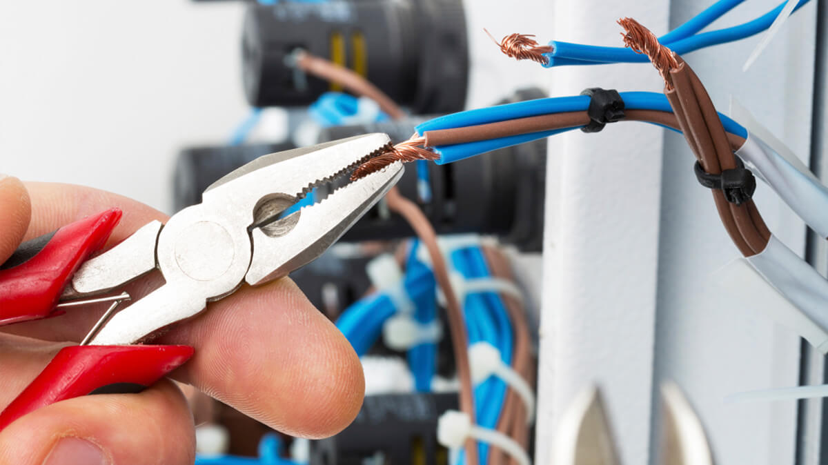 Electrical repairs and electricity repairs services in London